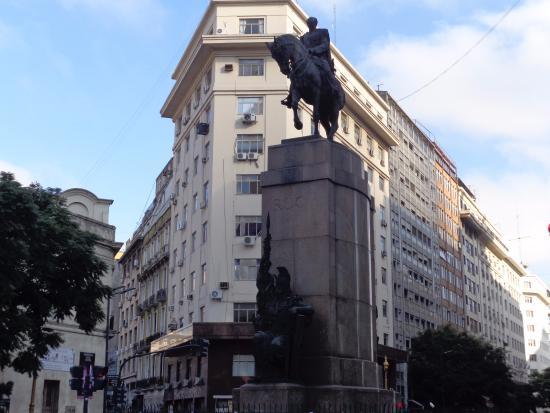 Resultado de imagen de fotos del monumento a Roca en Buenos Aires