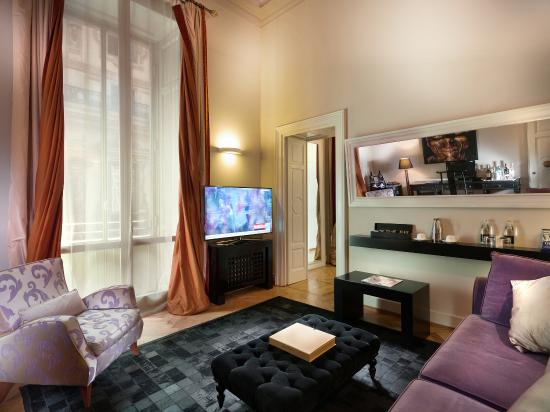 TownHouse Galleria: Executive Suite