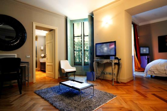 TownHouse Galleria: Deluxe Courtyard Room