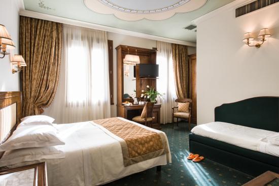 Hotel Adler Cavalieri Triple
