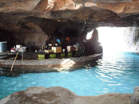 Hyatt Regency Maui Grotto Bar