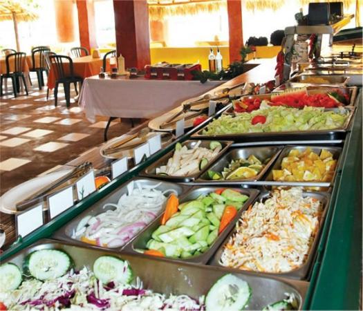 Buffet lunch comida buffet picture of samba catamarans for Samba buffet