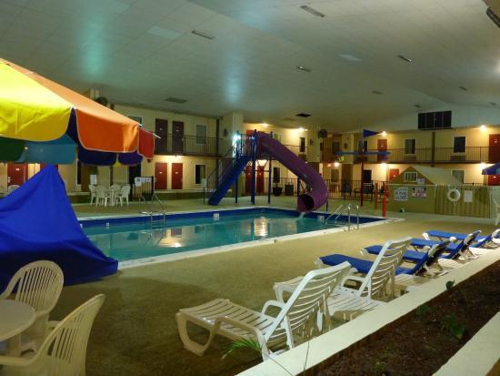Westgate Inn & Suites : Beautiful pool area