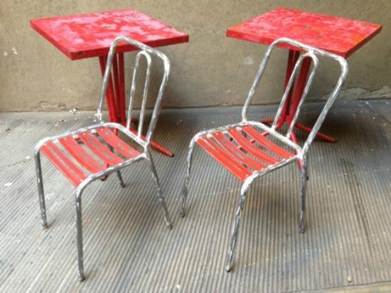 Tavolini E Sedie Da Esterno.Tavolini E Sedie Da Bistrot Francese Picture Of Neoretro Milan