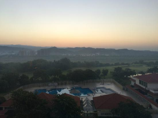 Holiday Inn Chandigarh Panchkula : Sunrise view from my room 306