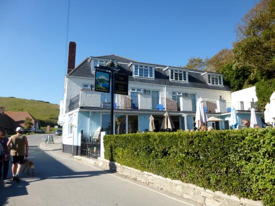 how to get to lulworth cove
