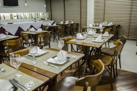 Mont Blanc Duque de Caxias : Restaurante Bistro