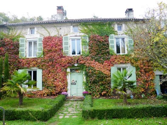 Nontron, França: le moulin en automne