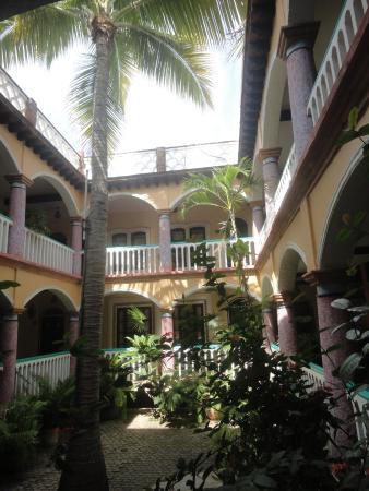 Hotel Flor de Maria: Patìo