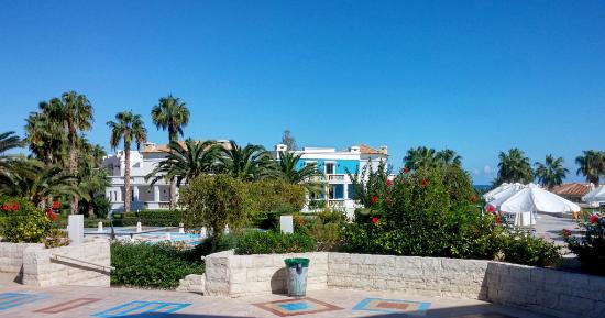 Aldemar Royal Mare: Way to breakfast