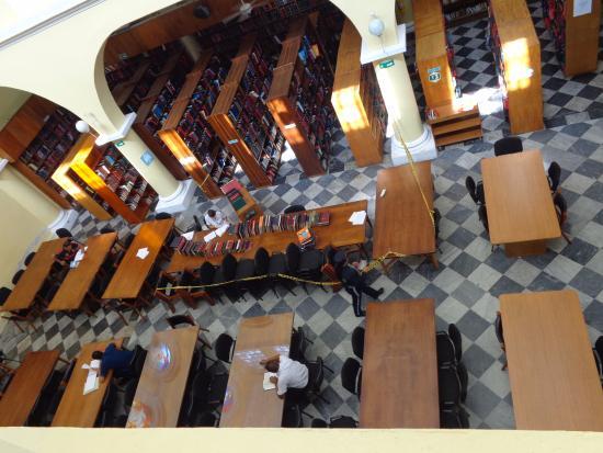Biblioteca Bartolome Calvo