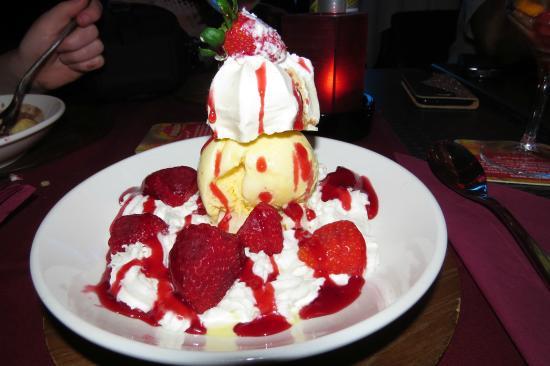 Colonial : Yummy Fresh Deserts