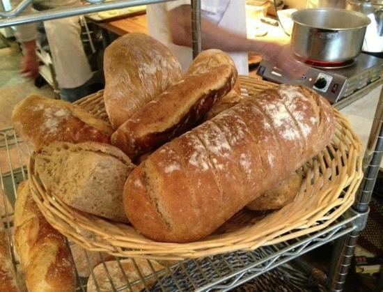 Annette's Mountain Bake Shop: Fresh Bread