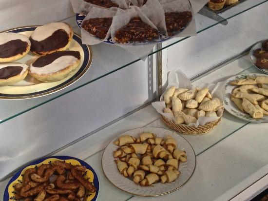 Annette's Mountain Bake Shop: Small-batch Cookies