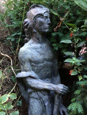 La force d 39 antoine bourdelle dans le jardin du mus e for Auberge le jardin dantoine