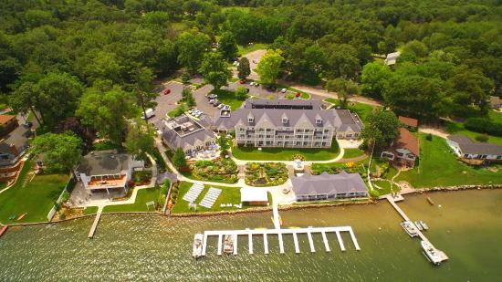 Bay Pointe Inn & Restaurant: Aerial Views