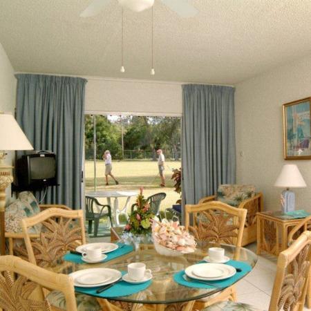 Plum Tree Club on Rockley Golf Course : Livingroom Plumtreeclub