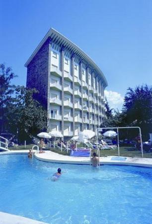 Gran Hotel: SWIMING POOL