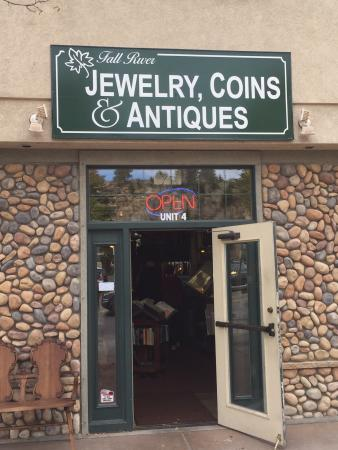 ‪Fall River Jewelry, Coins & Antiques‬