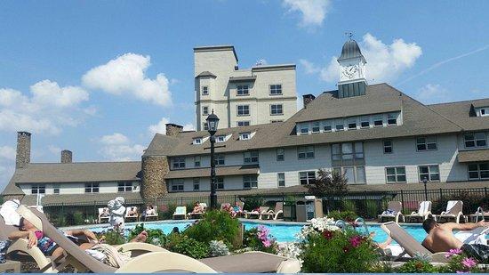 Pocono Manor Resort & Spa: The Inn at Pocono Manor