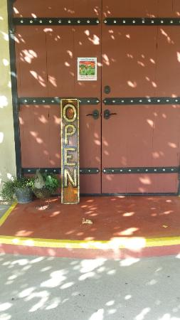 Plymouth, CA: Entry doors to the Tasting Room