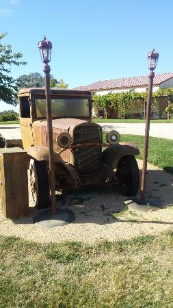 Cooper Vineyards: 1930s-era flatbed truck