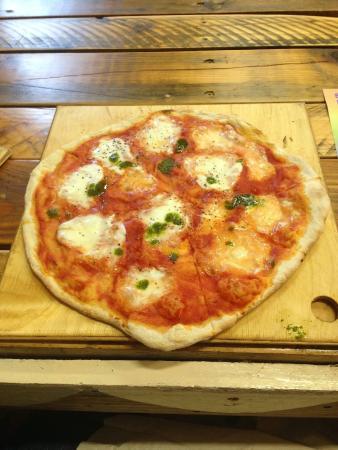 Dublin Flea Market: Great pizza