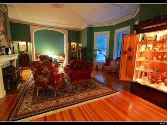 Architect's Inn - George Champlin Mason House: Interior Lobby