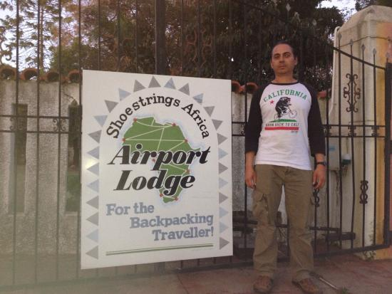 Shoestrings Airport Lodge: OCT2015