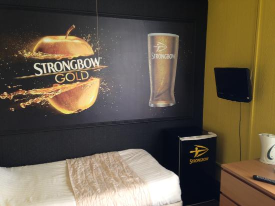 Imperial Hotel: Our 'strongbow' room
