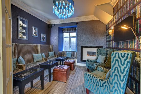 Cedar Manor Hotel and Restaurant : Welcome Lounge