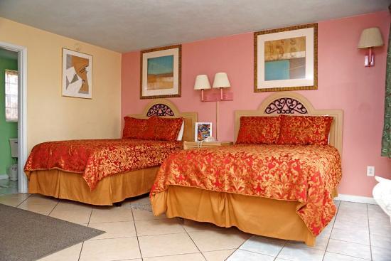 Beachwalk Inn: Motel room 2 beds