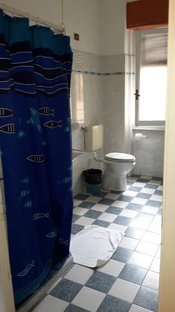 Hostel Gallo d'Oro: bagno privato