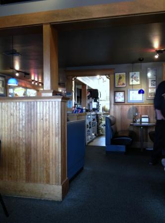 Geno's Pizza and Burgers: looking into the kitchen