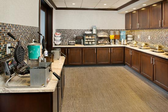 Homewood Suites by Hilton Portsmouth: Breakfast Buffet