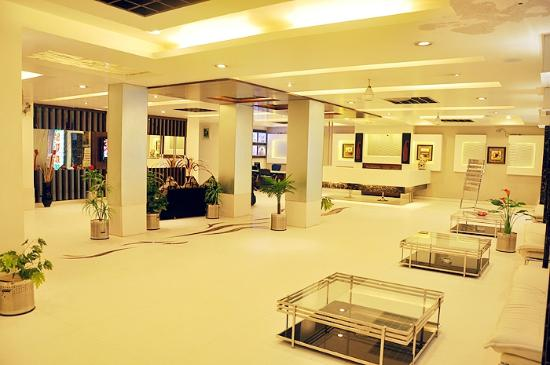 Hotel Sun International: Lobby