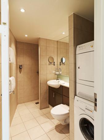Adina Apartment Hotel Copenhagen: Bathroom-Two Bedroom  Apartment