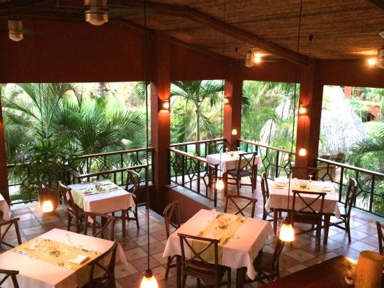 Hotel Restaurant Cantarana: Salon