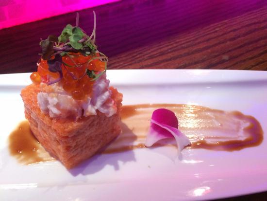 Caranguejo salm o e ova de salm o bild fr n ajisai for Ajisai japanese cuisine