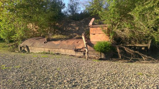 Al Foster Memorial Trail: Sunken Barge/Dredge in Meramec