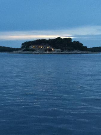 Island Galešnik
