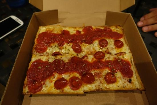 the detroiter pizza picture of via 313 pizza austin tripadvisor. Black Bedroom Furniture Sets. Home Design Ideas