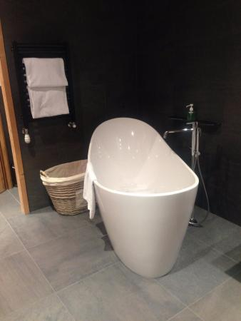 Chalet Hotel Hermitage Paccard: open bath :)
