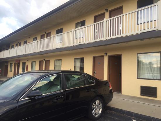 Hilltop Inn PIttsburgh: hotel