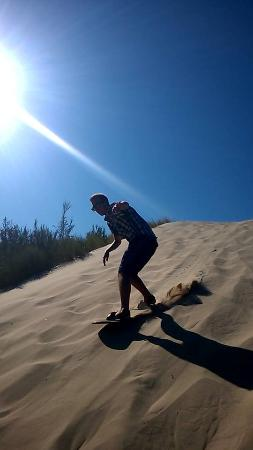 Florence, Oregón: Catching a ride on the dunes