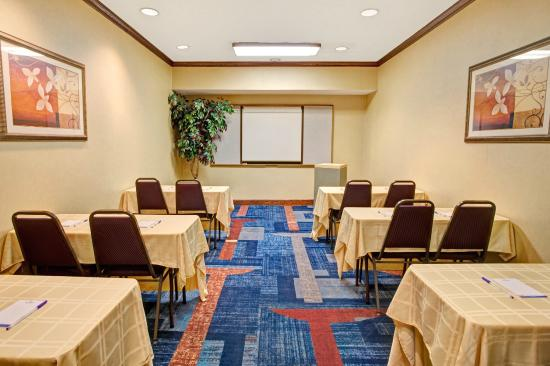 Baymont Inn & Suites Kennesaw: Meeting Room