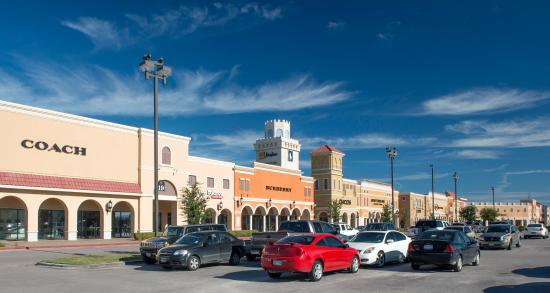 San Marcos, TX: Is shopping your thing? over 260 stores there is something for everybody