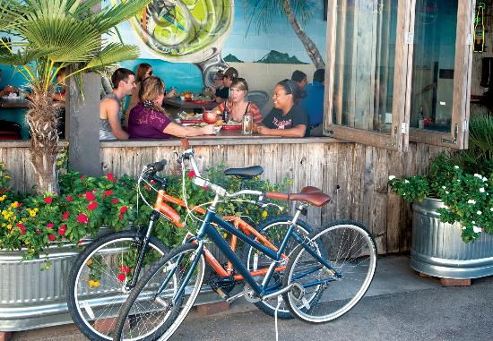San Marcos, TX: Want to take it easy? Why not enjoy a patio with some friends?