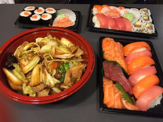 sushi party picture of hakata ramen lyon tripadvisor. Black Bedroom Furniture Sets. Home Design Ideas