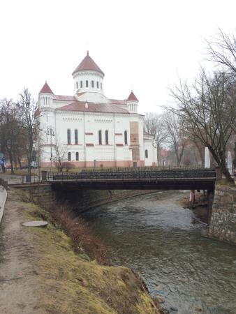 Barbacan Apartments: Православный храм